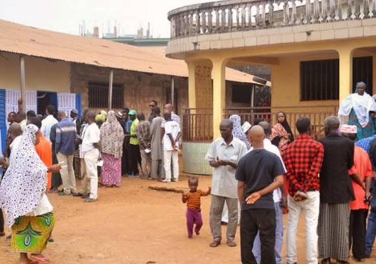Voter au heurt de la COVID-19 en Afrique de l'Ouest : à qui profite la crise?