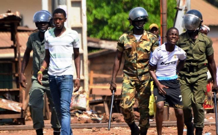 Guinée: faut-il supprimer les forces de défense et de sécurité?