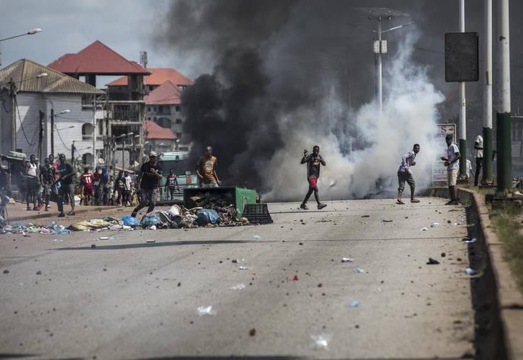 De la Guinée à la Côte d'Ivoire, la vie est plus précieuse qu'un «troisième mandat»