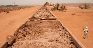 Guinée : la croissance par les mines, une vision erronée du développement